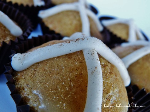 Hot cross cupcakes